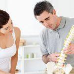 Que devez-vous considérer avec un chiropraticien?